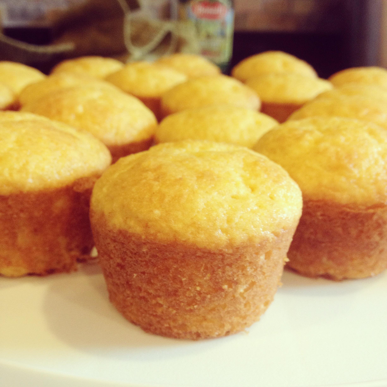 Mini Sweet Corn Bread Muffins Recipe | this baking beauty